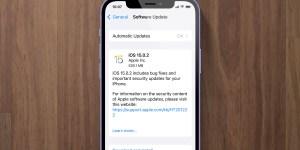 iOS 15.0.2 update screen